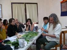 alumnos con el Biólogo Carlos Gómez
