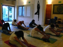 estiramientos en Kundalini Yoga