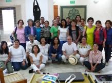 Alumnos que participaron en el Curso, Instructor y la Directora del CICSH.