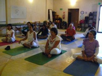 pausa en Kundalini Yoga