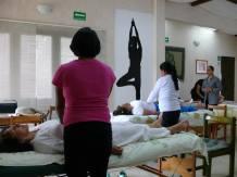 Práctica de Quelación, equilibra la energía del cuerpo.