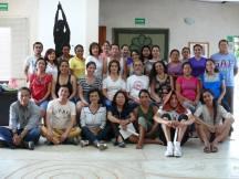 El grupo de alumnos que se integraron a este sorprendente tema, el Instructor y la Dir. del CICSH, Dra. Lucia Cordero