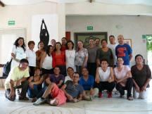 El grupo que participó en este tema, la Instructora y la Dir. del CICSH, Dra. Lucia Cordero.