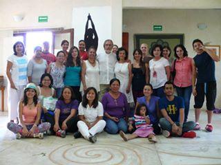 El Biólogo Carlos Gómez, la Maestra Minerva, la Dra. Luci Cordero, Dir. del CICSH y los alumnos que disfrutaron este Curso.